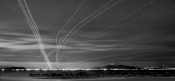 عکس های فوق العاده از ترافیک هوایی در شب